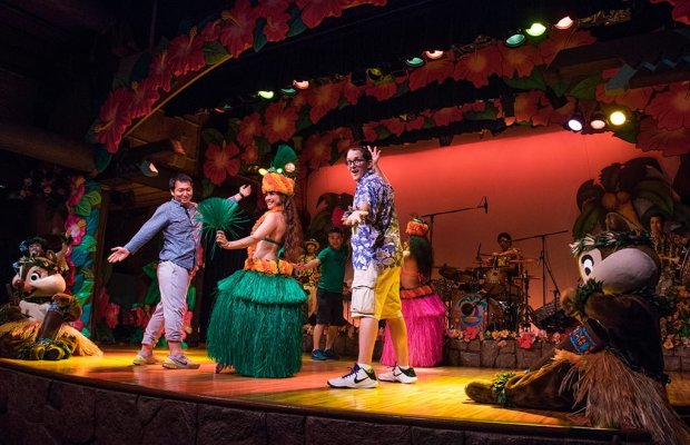 polynesian-paradise-mickey-mouse-minnie-tokyo-disneyland-guy-selga