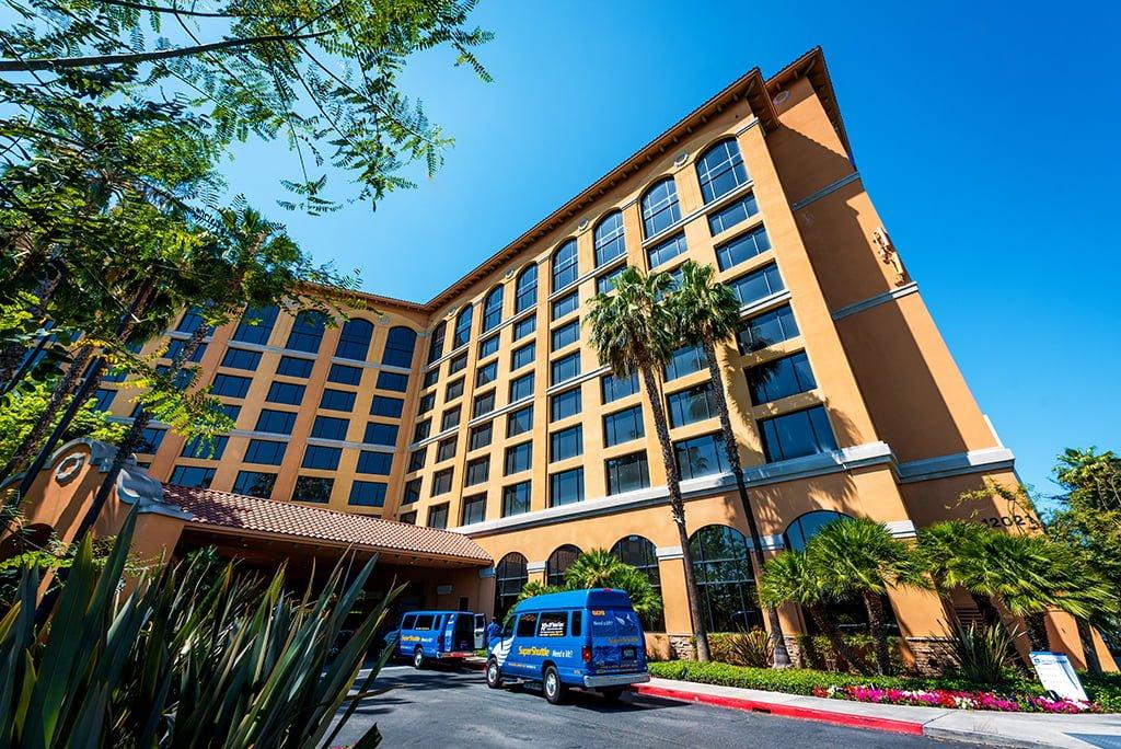 Restaurants In Garden Walk Anaheim: Disneyland Good Neighbor Hotel Review: Wyndham Anaheim