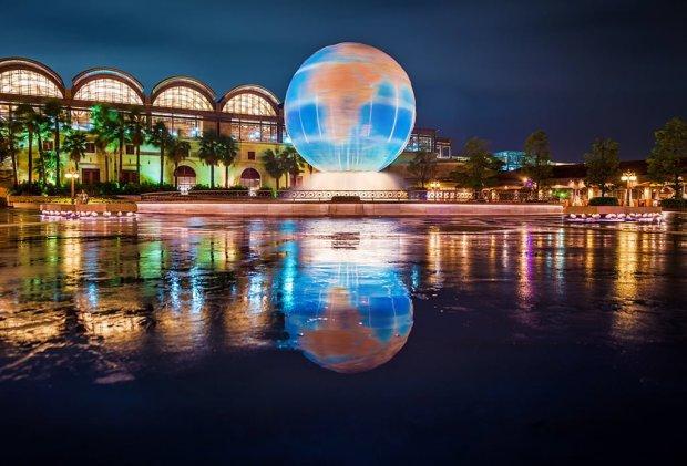 aquasphere-reflection-typhoon-tokyo-disneysea