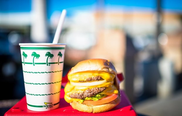 in-n-out-burger-shallow-depth-of-field