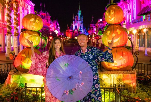 sarah-tom-bricker-empty-magic-kingdom-halloween_1