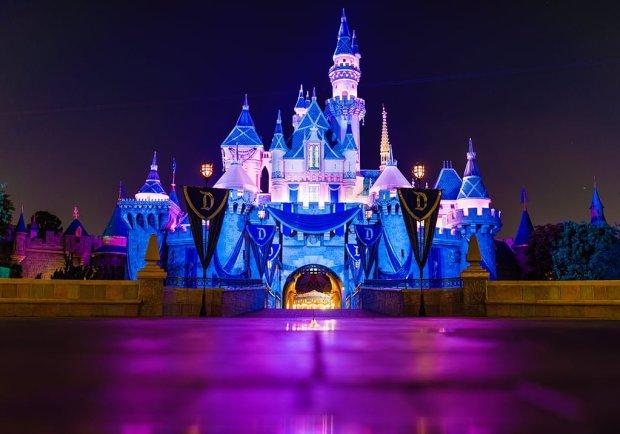 sigma-35mm-sleeping-beauty-castle