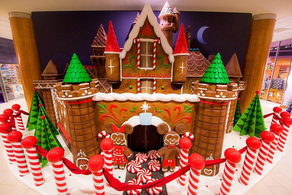 Hotels of Disneyland at Christmas Half-Day Tour - Disney Tourist Blog