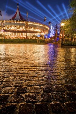 fantasyland-pavers-castle-carrousel-wet-pavement