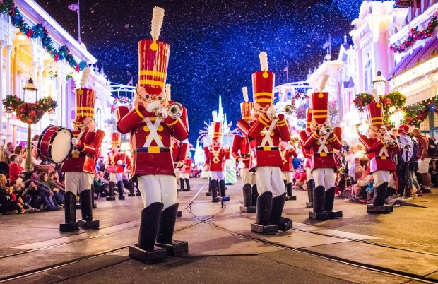 walt-disney-world-christmas-photos-015