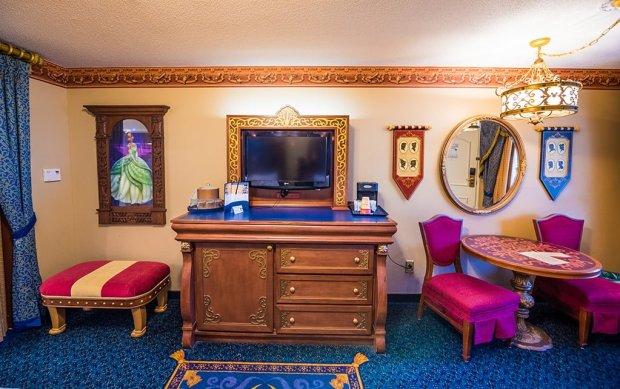 royal-room-port-orleans-riverside-disney-world-hotel-006
