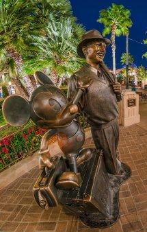 Free Disneyland - Disney Tourist