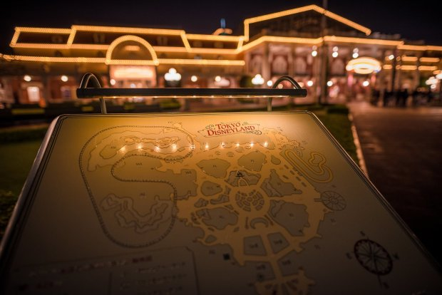 tokyo-disneyland-front-entrance-map-shallow-001
