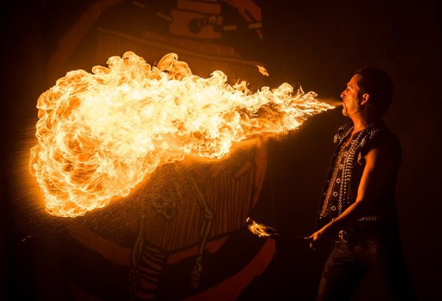 villains-unleashed-fire-breather-disney-world