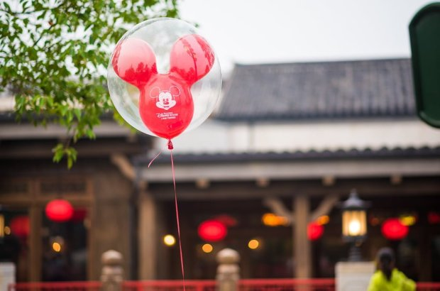 shanghai-disneyland-grand-opening-balloon-009