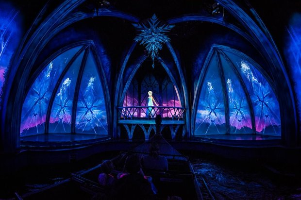 elsa-ice-palace-frozen-ever-after-epcot-walt-disney-world