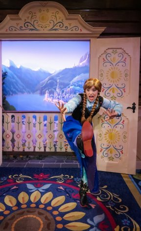 frozen-royal-summerhaus-epcot-walt-disney-world-002