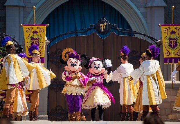 mickeys-royal-friendship-faire-magic-kingdom-walt-disney-world-018