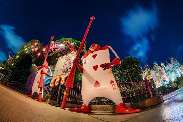 queen-hearts-banquet-hall-fisheye