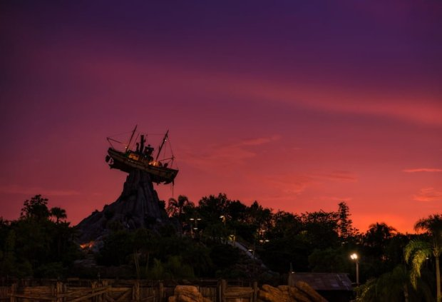 miss-tilly-typhoon-lagoon-sunset-walt-disney-world