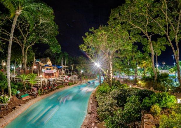 night-lazy-river-typhoon-lagoon-wdw