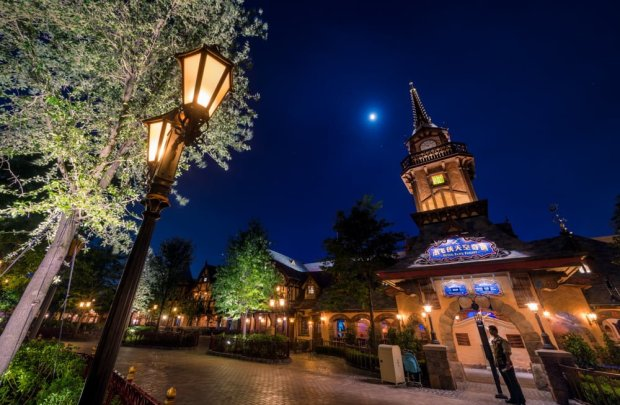 peter-pans-flight-night-shanghai-disneyland_1