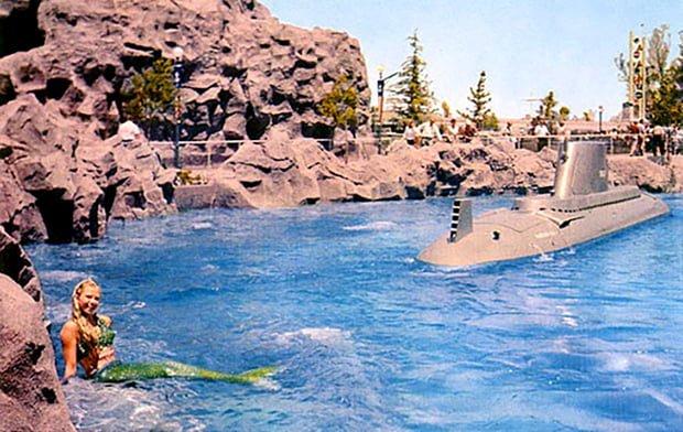 disneyland-mermaids-submarine-lagoon-1960s-postcard-0441