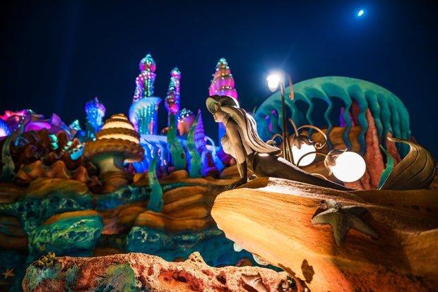ariel-statue-shallow-night-mermaid-lagoon-tokyo-disneysea