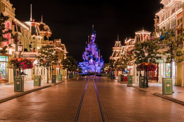 2018 2019 Disneyland Paris Planning Guide Disney Tourist