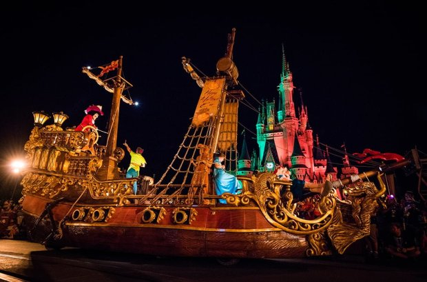 mickeys-boo-to-you-halloween-parade-001