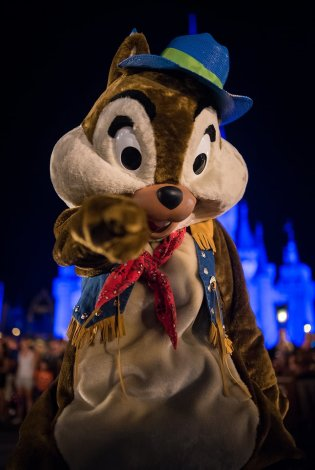 mickeys-boo-to-you-halloween-parade-006