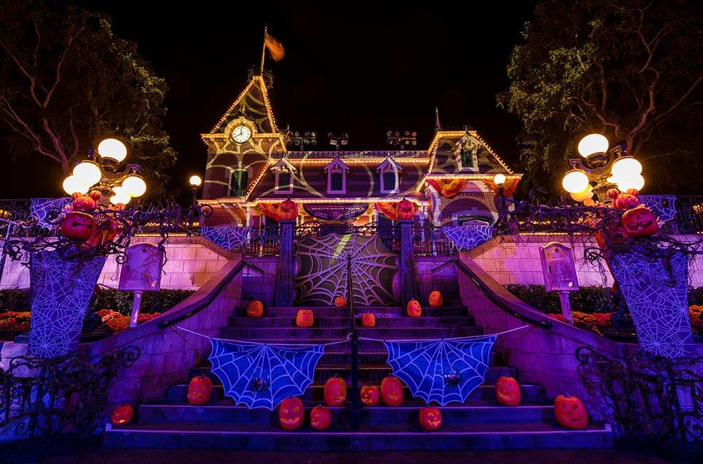 Best & Worst Months to Visit Disneyland - Disney Tourist Blog