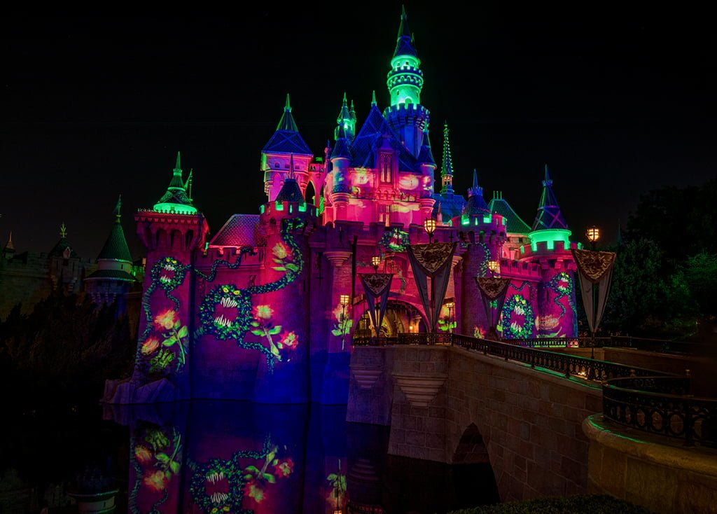our october 2018 disneyland preview offers a free crowd calendar for choosing the best and worst days to visit during halloween season at disney california