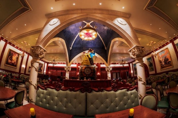 rose-gallery-be-our-guest-restaurant-disney-world