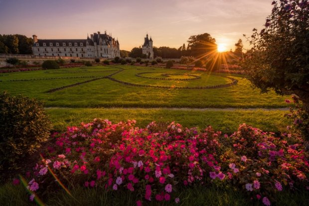 sunset-château-de-chenonceau-loire-valley-france-bricker