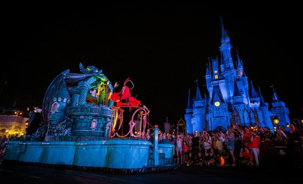 villains-float-boo-to-you-halloween-parade-wdw