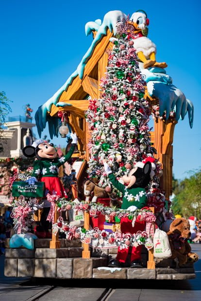 a christmas fantasy parade a christmas fantasy parade includes six units a christmas fantasy opening featuring mrs claus sorting letters in santas - When Does Disneyland Decorate For Christmas 2018