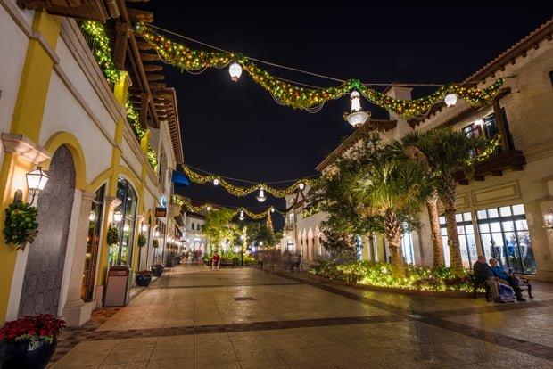 Tips for Christmas at Disney Springs - Disney Tourist Blog