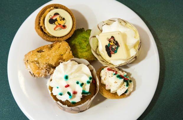 minnies-holiday-dine-hollywood-vine-character-meal-walt-disney-world-006