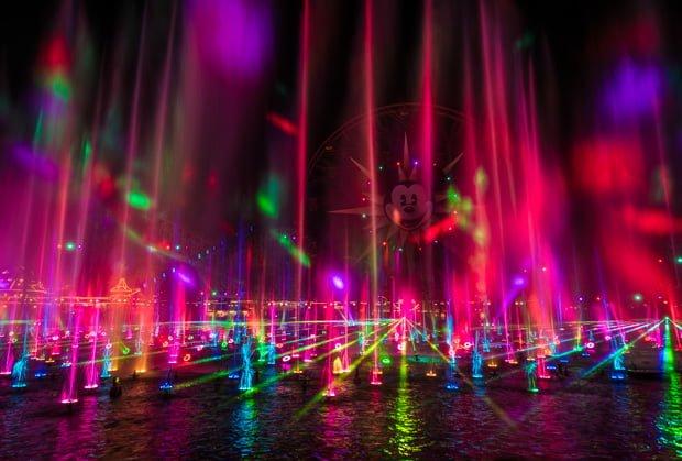 world-color-season-light-christmas-disney-california-adventure-011