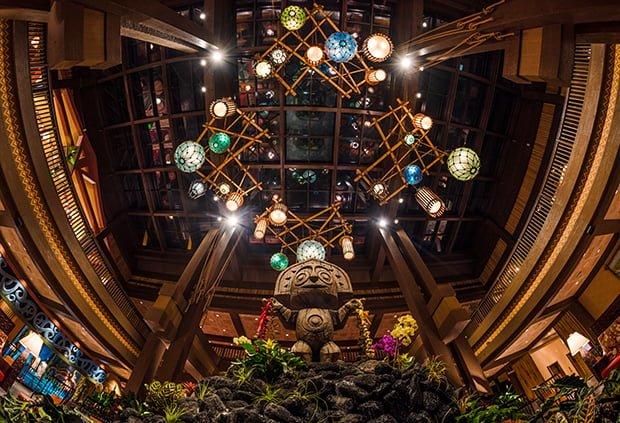 polynesian-village-resort-disney-world-lobby