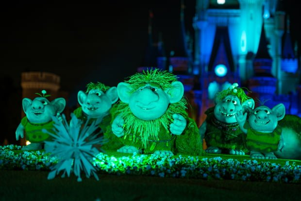 Tokyo Disneyland Discount Ticket Tips - Disney Tourist Blog