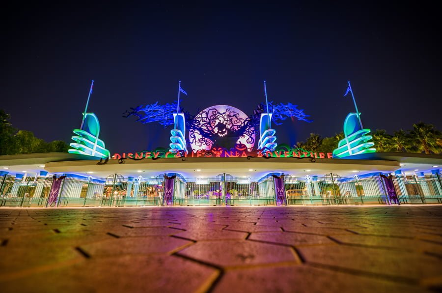 anyone who has visited disney california adventure and disneyland in 2017 knows that it has been an incredibly busy year last year during an otherwise - Disneyland Hours Halloween