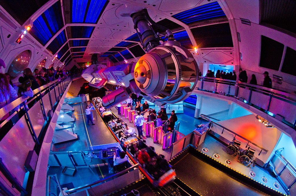 Top 10 Disneyland Attractions - Disney Tourist Blog