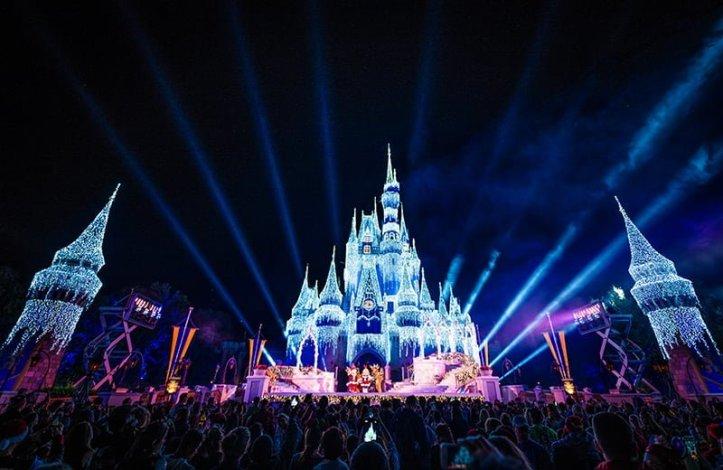 2019 Mickeys Very Merry Christmas Party Tips Disney Tourist Blog
