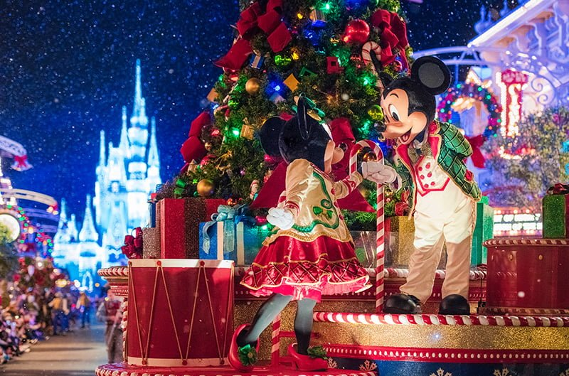 Disney Christmas Decorations.Ultimate 2019 Disney World Christmas Guide Disney Tourist Blog