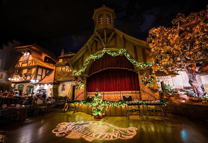 Christmas Restaurant.A Christmas Feast At Epcot S Biergarten Disney Tourist Blog