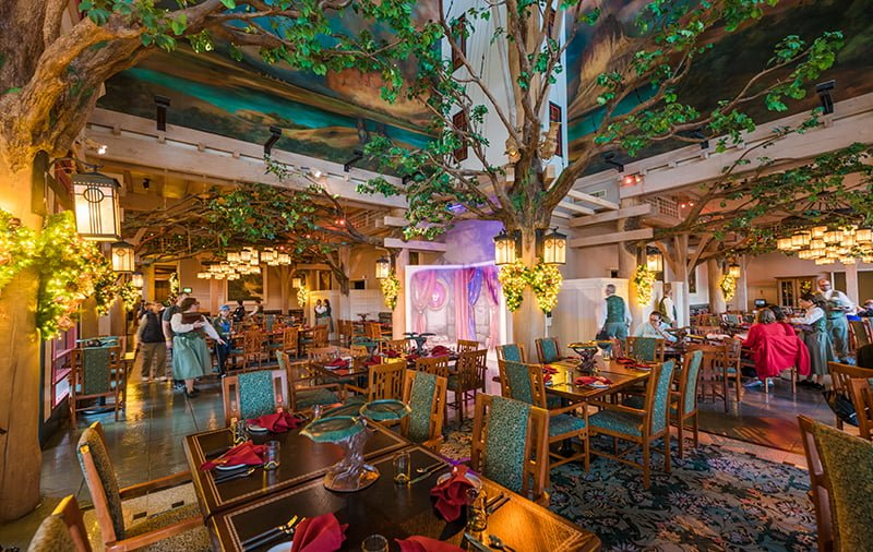 Artist Point Storybook Character Dining Review Disney Tourist Blog