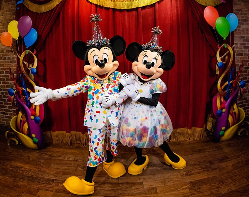 New Minnie Mickey Mouse Surprise Celebration In Magic Kingdom