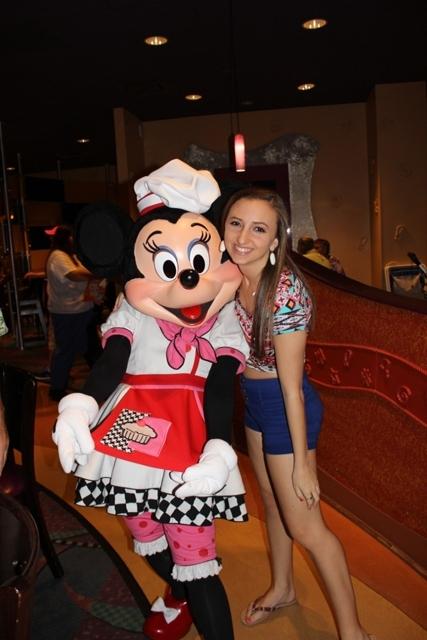 Minnie Mouse Goofys Kitchen Disneyland Hotel Vacation