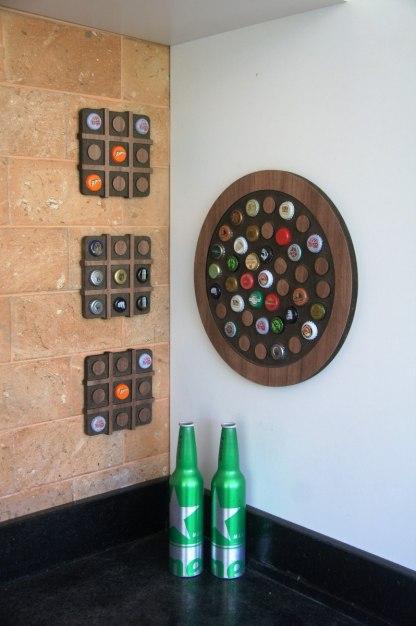 """Painel decorativo circular para 42 tampinhas + Display """"Jogo da Velha"""" ou Porta Panelas para 9 tampinhas"""