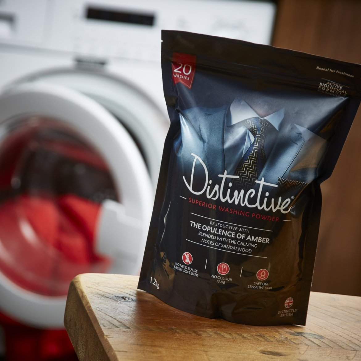 Laundry detergent that smells like cologne