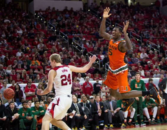 Miami's Davon Reed reacts as he looses the ball in a loss to NC State in Raleigh, N.C. / Hurricanesports