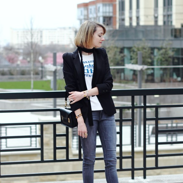 skinny scarf and skinny jeans