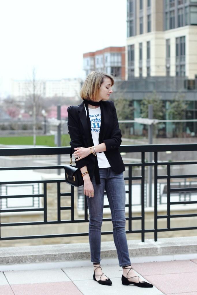 skinny scarf and skinny jeans